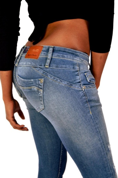 Lost In Paradise Jeans CELINA SUPERSLIM 8416 Destroyed